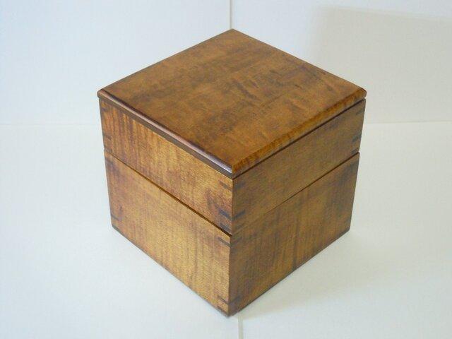 杢のきれいなメープルの2段弁当箱の画像1枚目