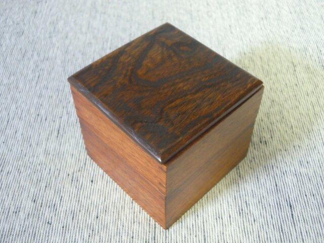 杢のきれいなけやきの2段弁当箱の画像1枚目
