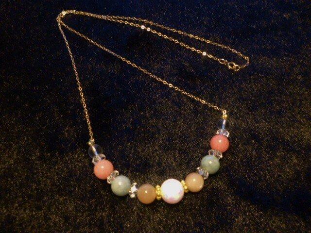 京都オーパル&オレンジムーストーン&ジエイド&水晶ネックレスの画像1枚目