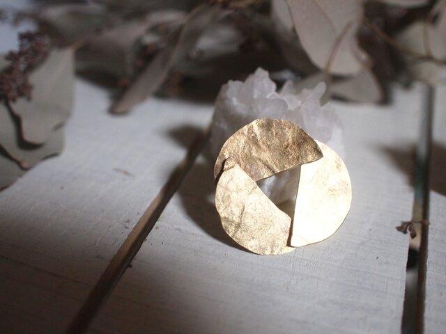 ぷちっと 真鍮 花咲くブローチの画像1枚目