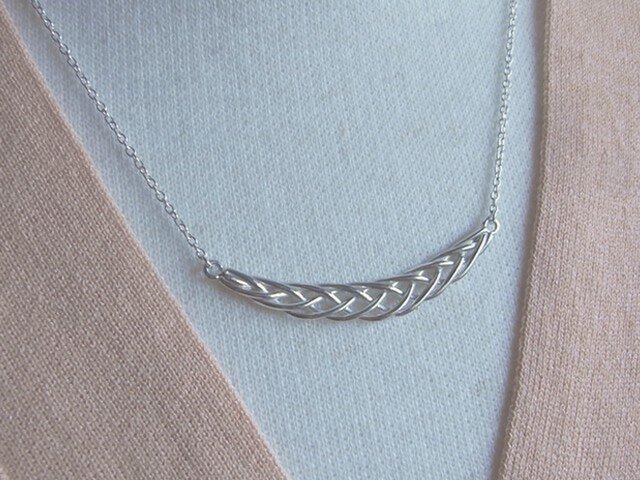 5本編みのネックレスの画像1枚目