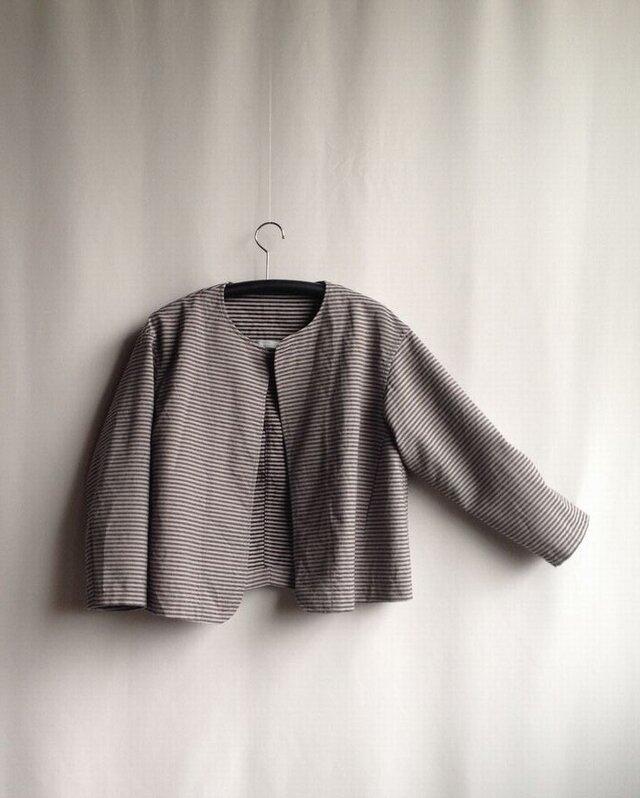 出番の多いショートジャケット ・ グレーの縞しまウールの画像1枚目