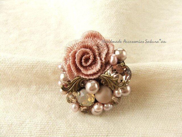ピンク系お花ブローチ(K0424)の画像1枚目