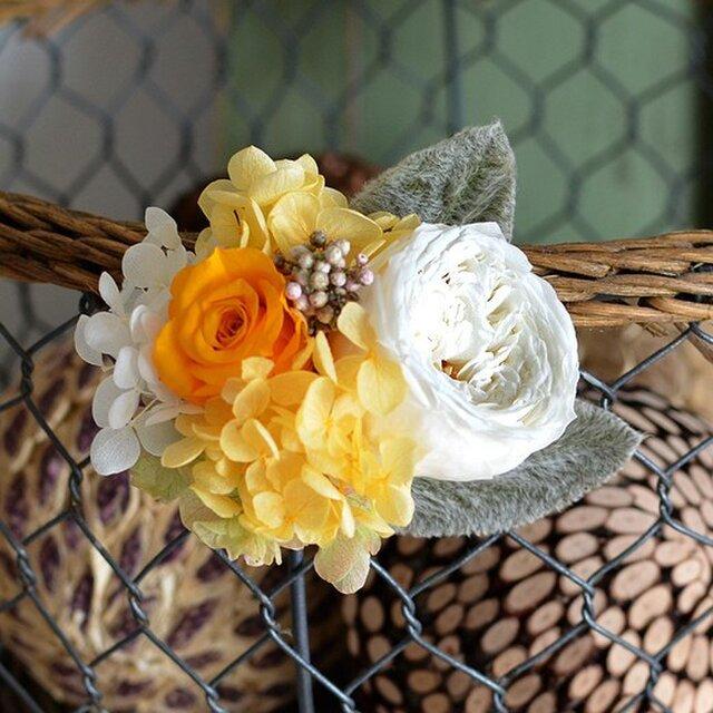 【イエローオレンジ】 プリザーブドフラワー コサージュ ローズ アジサイ 発表会 結婚式 入学式 ヘッドドレス 米寿 七五三の画像1枚目