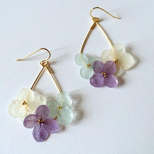紫陽花の雫フープピアスs*ブルーアメジスト*の画像1枚目