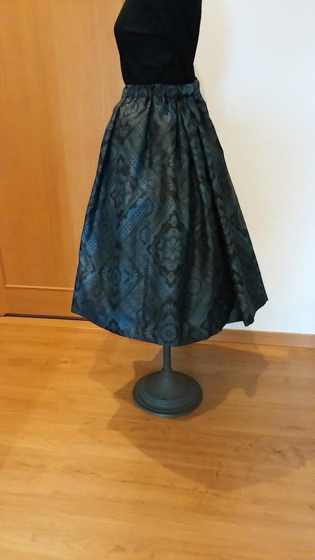 大島紬のタック付きスカート ~ 裏地付き。  1点品の画像1枚目