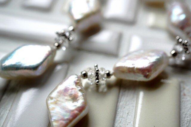 【オーダー品】ひし型パールとクリスタルのネックレスの画像1枚目