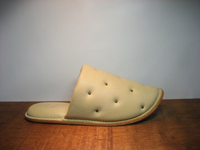 Sofa Slippers STUDS IVORY sizeLの画像1枚目