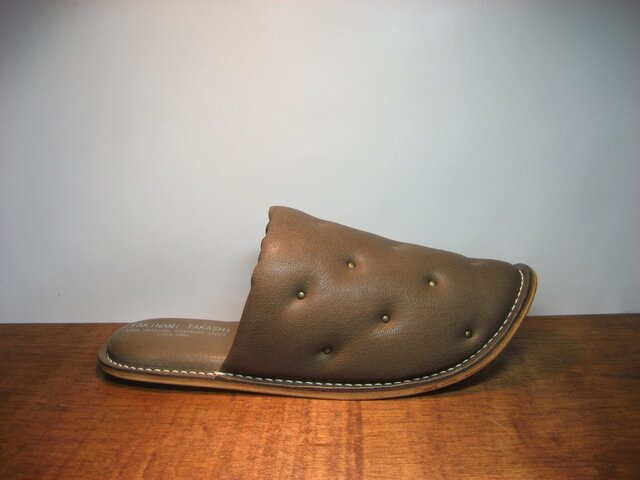 Sofa Slippers STUDS BROWN sizeLLの画像1枚目