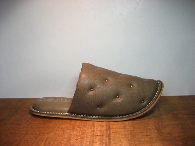 Sofa Slippers STUDS BROWN sizeLの画像1枚目