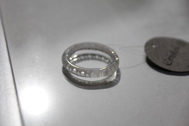 蜻蛉玉*白い波の指輪〈無垢〉の画像1枚目