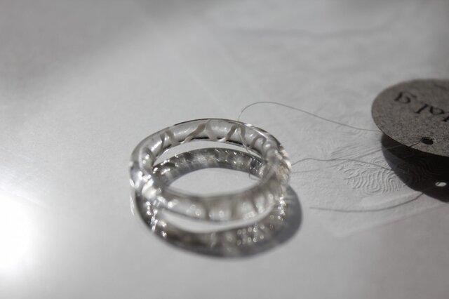 蜻蛉玉*白いレースの指輪〈無垢〉の画像1枚目