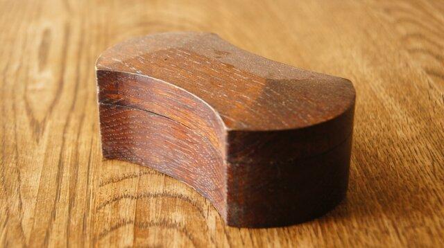 分銅型の印鑑ケース (ナラ)の画像1枚目