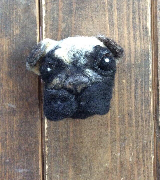 犬(ブローチ)の画像1枚目