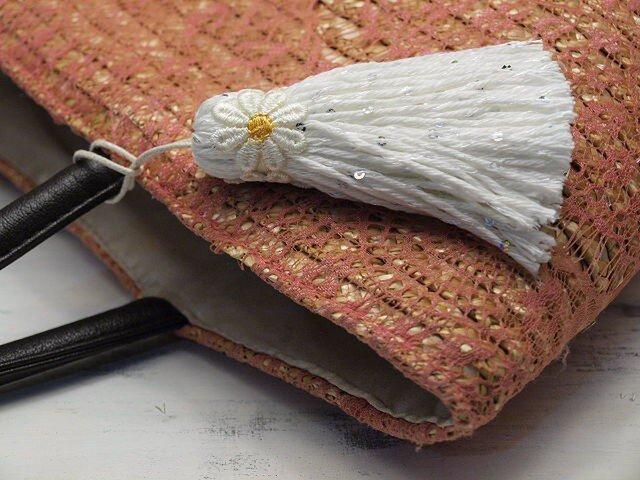 ❁お花タッセル BIGマーガレット❁ 【XLサイズ】スパンコール バッグチャーム・キーホルダーなどに ホワイトの画像1枚目
