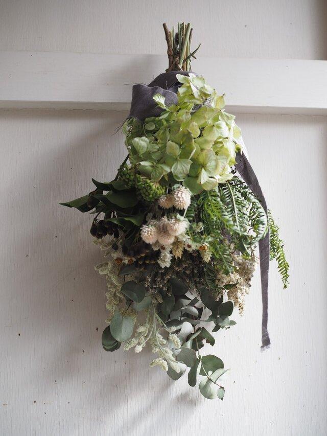 小花のグリーンスワッグの画像1枚目