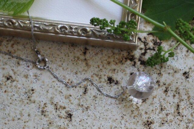 アイリスクォーツ(虹入り水晶)のY字ネックレスの画像1枚目