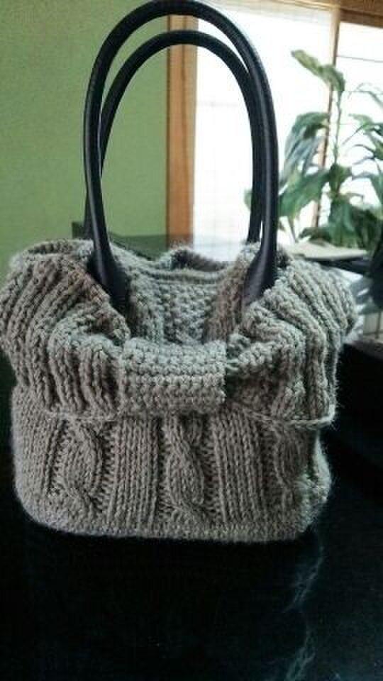 手編み*バック  ウール糸で編んだバッグの画像1枚目