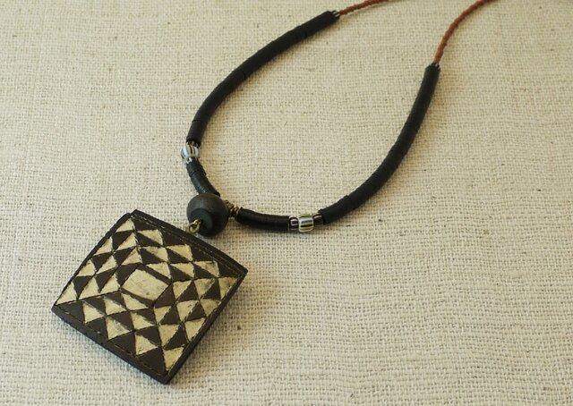 ひょうたんアートのネックレスの画像1枚目