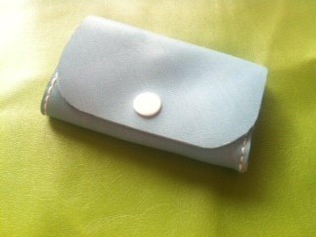 本革 ポケット財布(水色×白)の画像1枚目