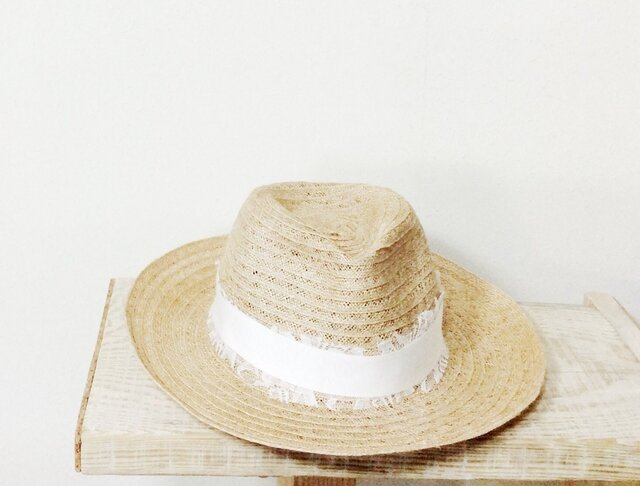 White lace hatの画像1枚目