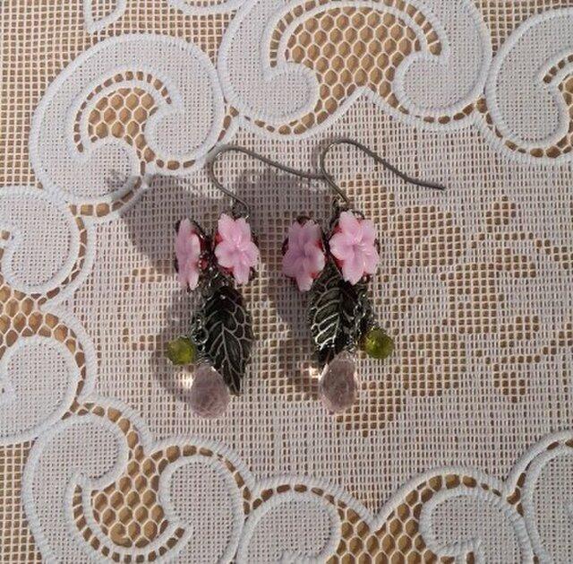 桜ピアスⅤ(イヤリング変更可)の画像1枚目