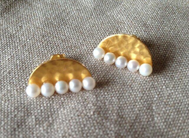 half-moon pearl pierceの画像1枚目