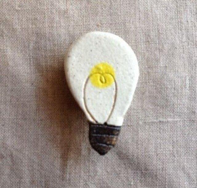 なつかしの昭和家電ブローチ 〈豆電球〉の画像1枚目