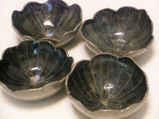 花形小鉢の画像1枚目