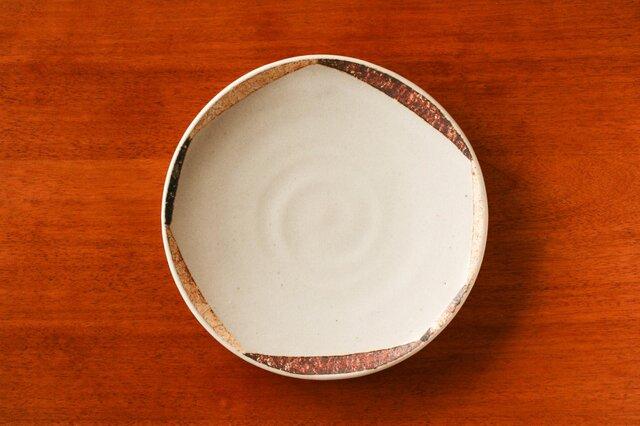 白釉変八角模様五寸皿(ソーサー)の画像1枚目
