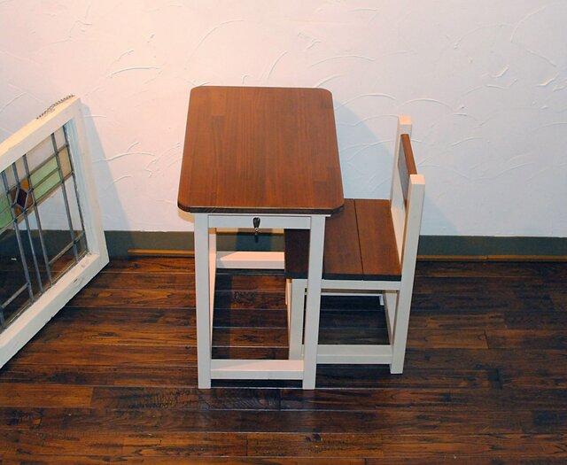 再販3★かわいいミルクティー&オークカラーのレトロな小さな勉強机と椅子セット★の画像1枚目
