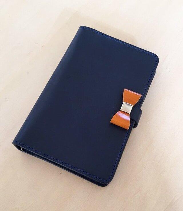 栃木レザーのシステム手帳 リボンフラップ ブルーの画像1枚目