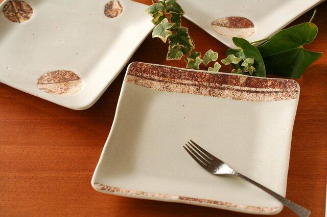 八寸角皿(ストライプ・白釉)の画像1枚目