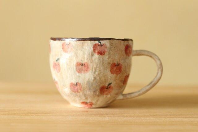 粉引き手びねりりんごいっぱいのカップ。の画像1枚目