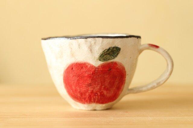 粉引き手びねり赤いリンゴのカップ。の画像1枚目