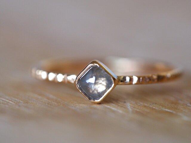 Diagonal Square Diamond Ring Frost Grayの画像1枚目