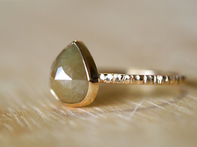 Brown Olive Diamond Ringの画像1枚目