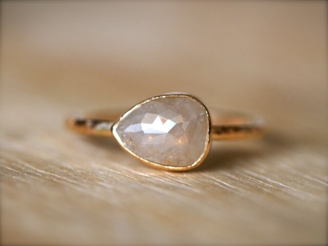Sand Beige Diamond Ringの画像1枚目