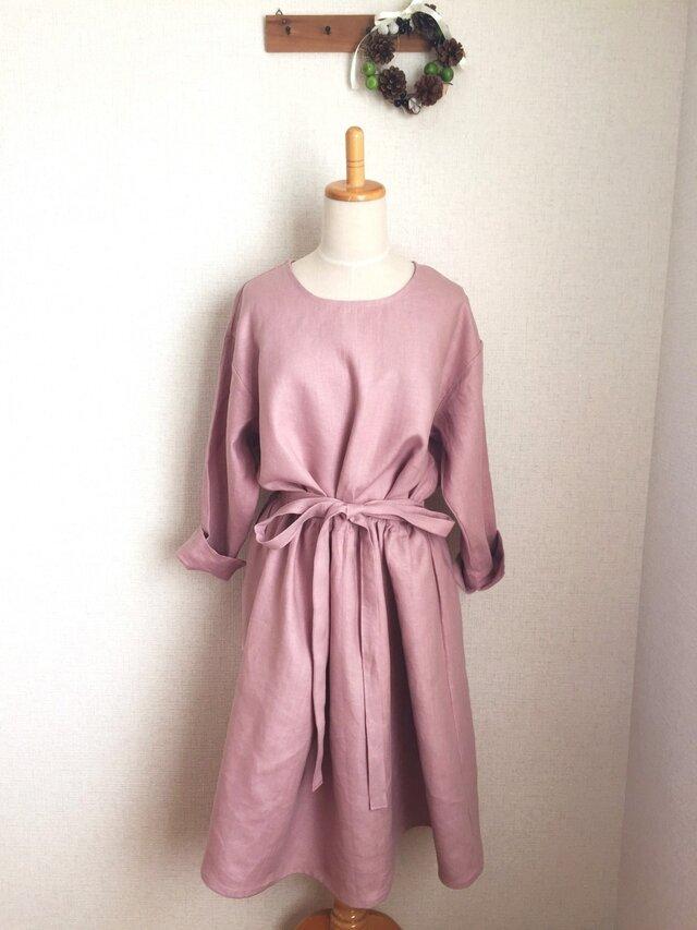 【ご予約商品】リネンたっぷりゆったりワンピース グレイッシュピンクの画像1枚目