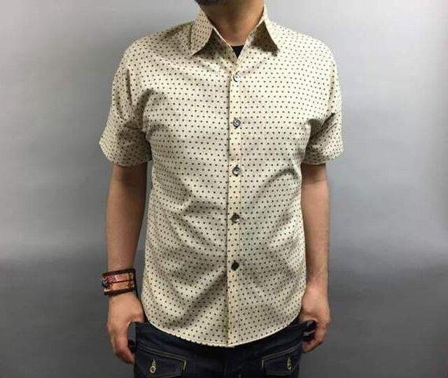 半袖和柄シャツ(絣風豆絞り図)の画像1枚目