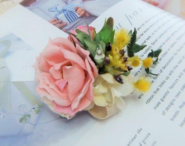アン好みのばらとミモザのコサージュ☆くすみピンクの画像1枚目