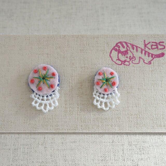 手刺繍ピアス「春色まる大小1」の画像1枚目