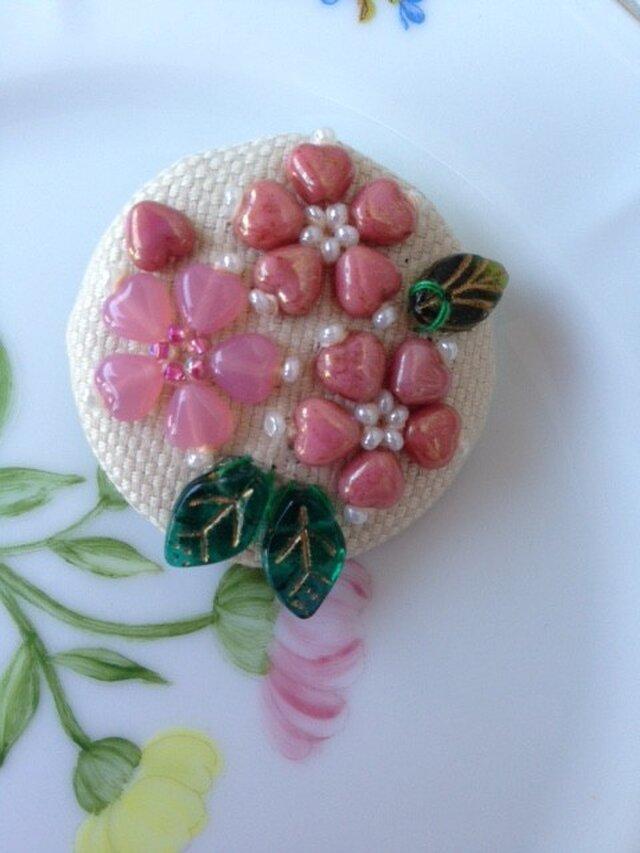 桜のブローチの画像1枚目