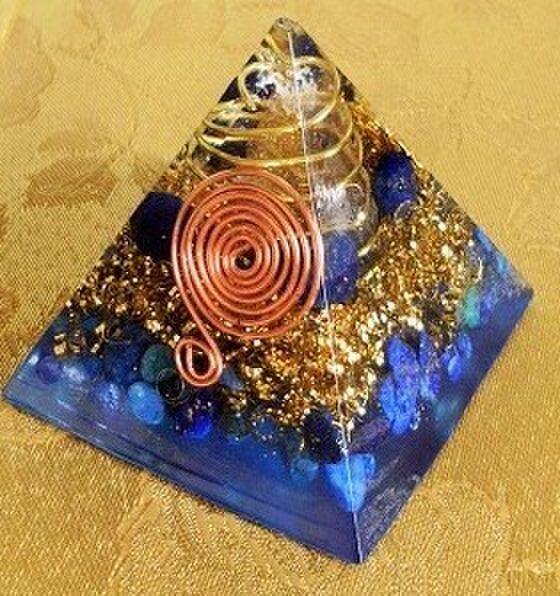 オルゴナイト 守護ピラミッド(小)の画像1枚目
