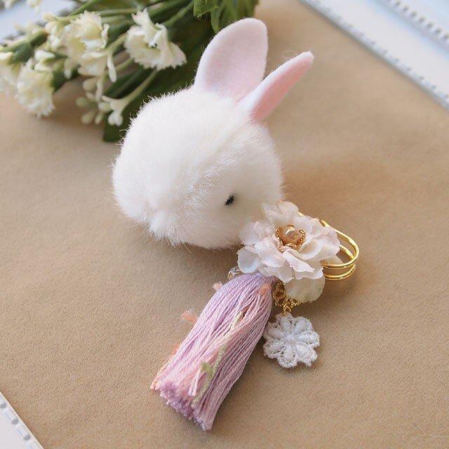 和のふんわりブローチ*うす藤色の簪うさぎ白の画像1枚目