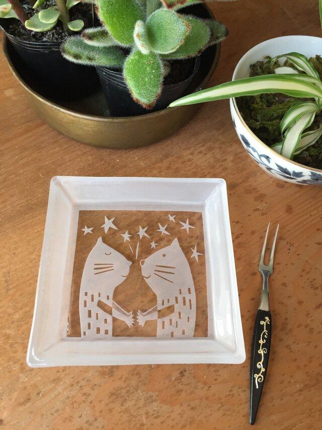 角皿   秘密の約束猫の画像1枚目