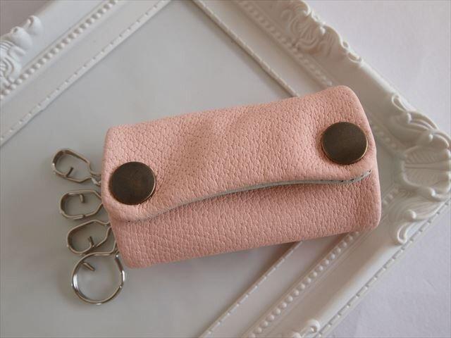 【薄ピンク×アオミドリ】ぶた革やわらかキーケース【受注生産】レザー 16160011の画像1枚目