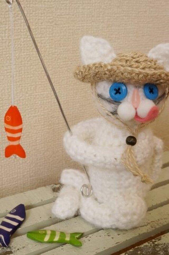 釣り猫(白)の画像1枚目