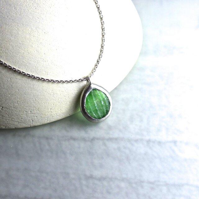 ガラスのネックレス forest green(leaf)の画像1枚目