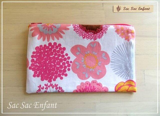 フラットポーチ Mサイズ Timbre Fleur(花スタンプ)ピンクの画像1枚目